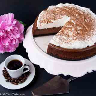 CHOCOLATE MOCHA CHEESECAKE. A delicious, creamy, and easy to make cheesecake. It tastes like a heavenly cup of mochaccinno topped with whipped cream in a form of a cheesecake!