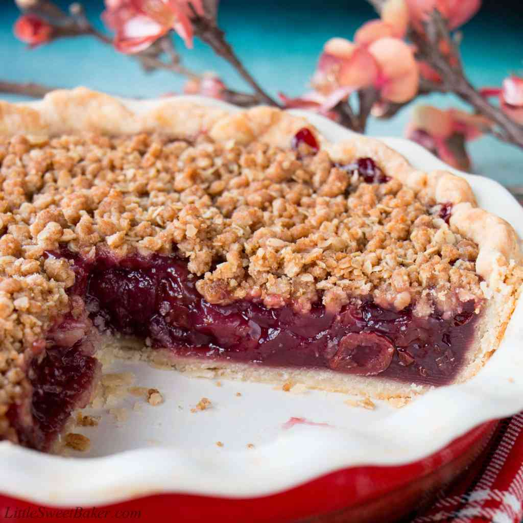The Spencers: Sour Cherry Crumb Pie |Cherry Pie With Crumb Topping