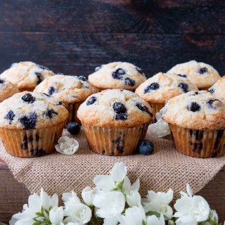 The Best and Easiest Blueberry Muffins