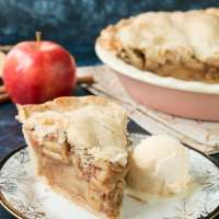 Easy Homemade Apple Pie (video)