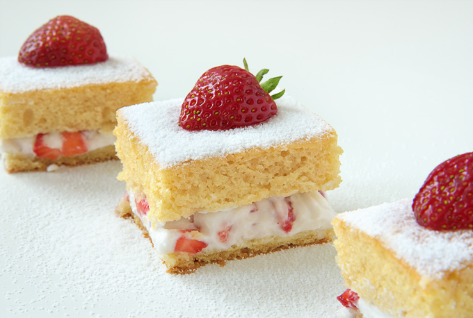 Vanilla Strawberry Coconut Cream Cake