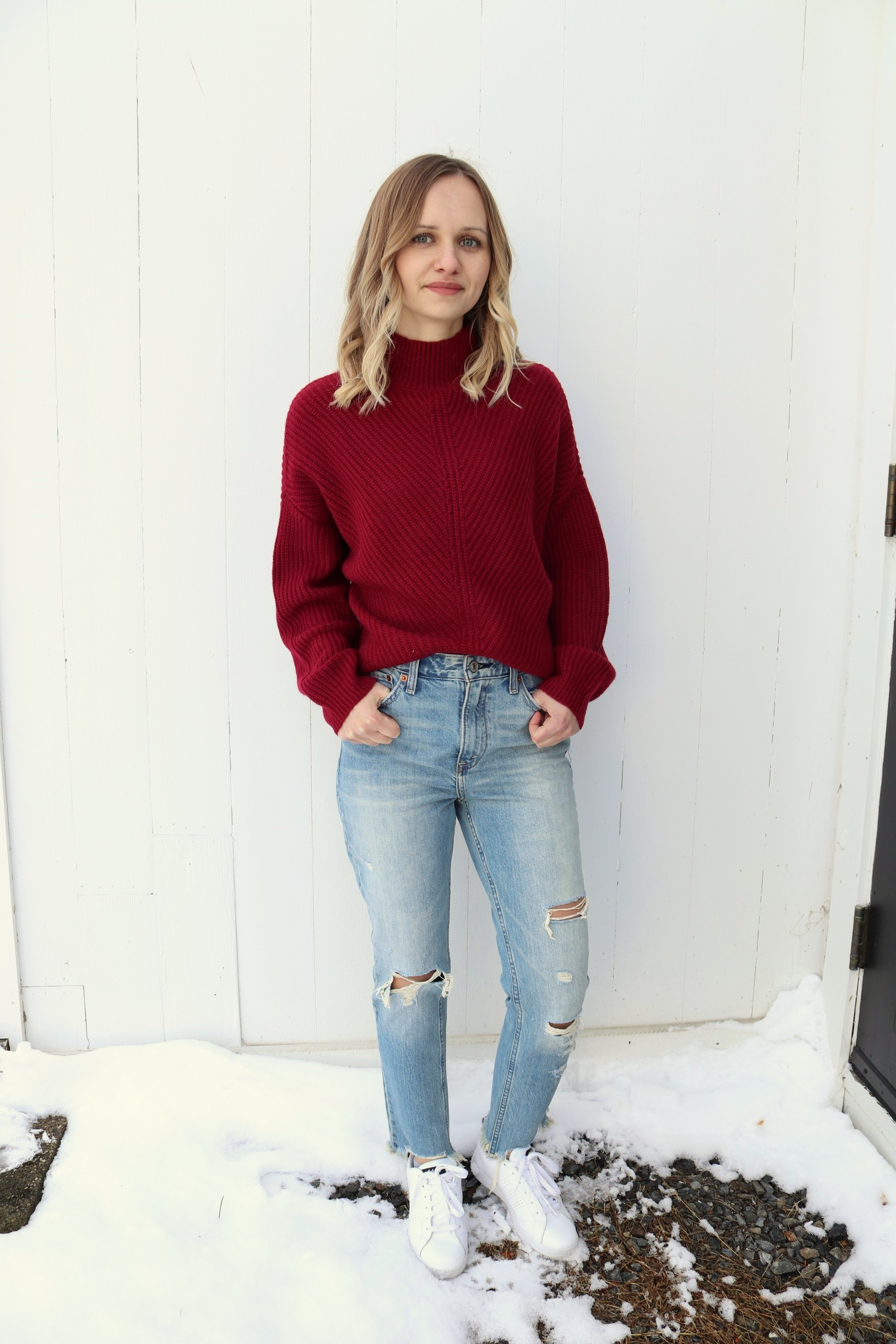 Abercrombie High Rise Girlfriend Jeans + Cropped Sweater | Little Things Olga