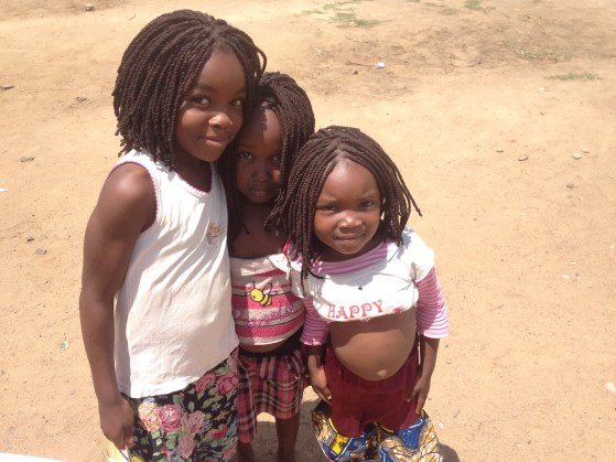 Girls in Zambia Volunteer Abroad