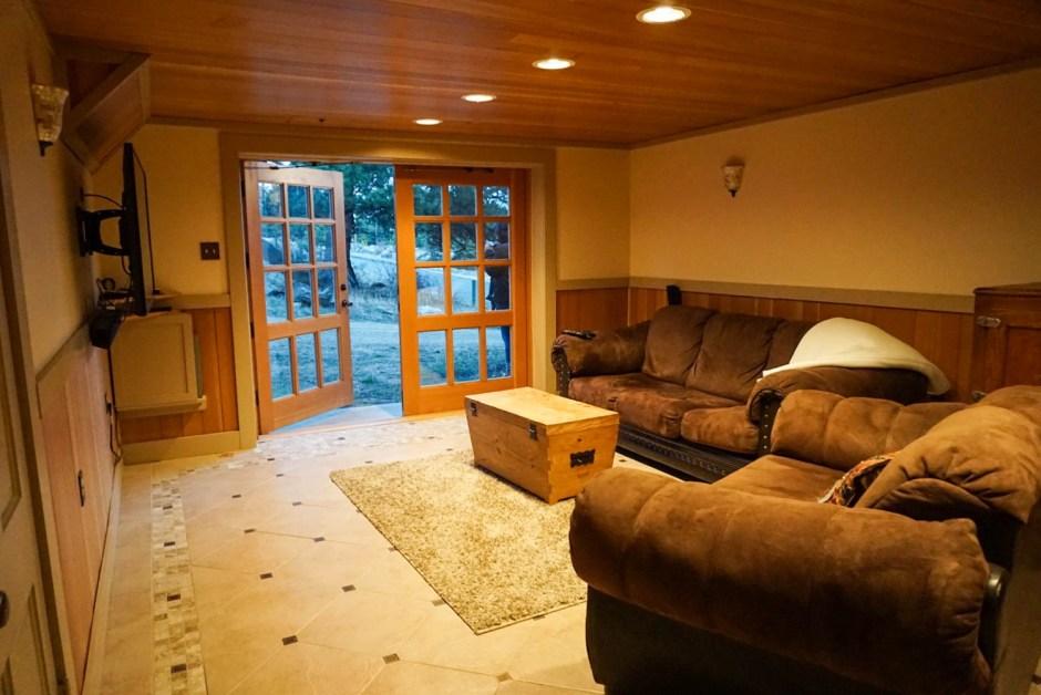 Theater Room Golden Leaf Inn Retreat