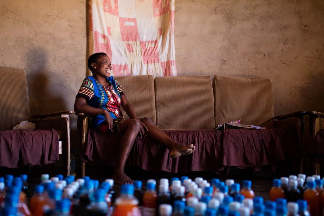 Lindiwe Zimbabwe - Kiva littleBIGthings