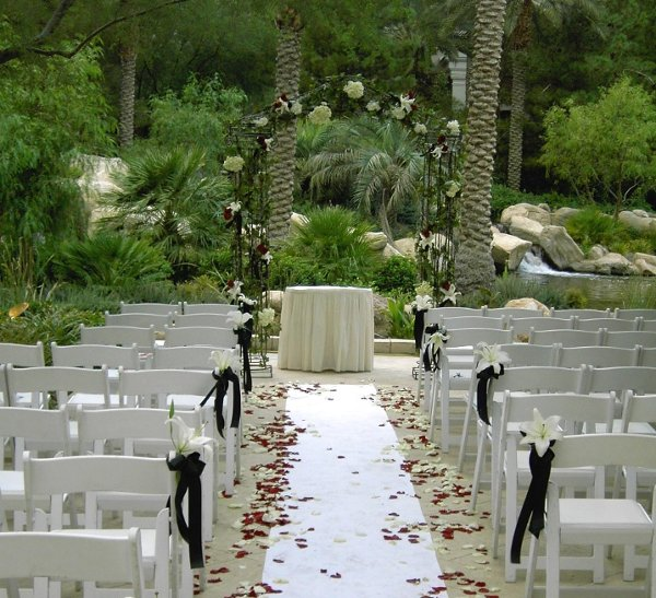 Ultimate Vegas Wedding Venue Guide: JW Marriott Las Vegas