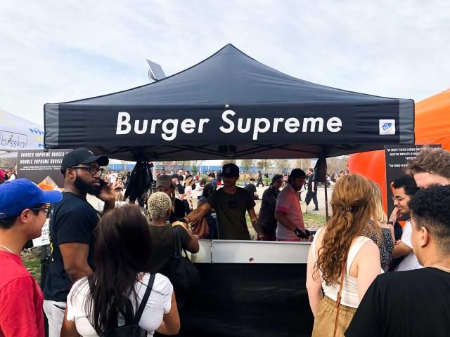 Burger Supreme Stand