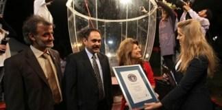 В Ливане новый рекорд — самый большой бокал для вина в мире
