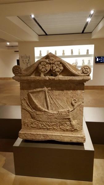 Археологические артефакты Национального Музея в Бейруте.