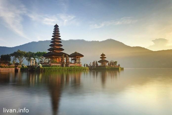 Индонезия отменила визы для граждан Украины