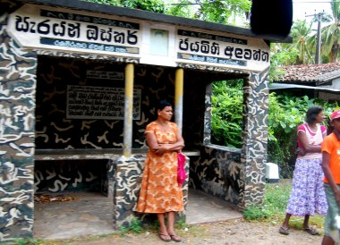 Sri Lankan Bus Stop, South Sri Lanka Tour, Independent Travel Asia
