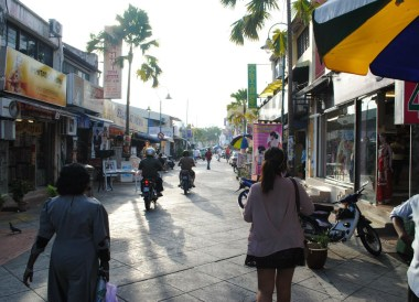 Walking in Little India, Quick Guide to Georgetown Penang, Malaysia, Asia
