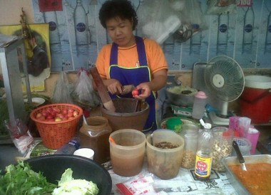 Som Tam Stand Bangkok, Is Street Food Safe? Eating in Southeast Asia