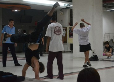 Bangkok Student Life - Evenings in Sripatum University - Break Dancing