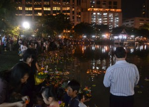 Floating Krathongs, Benjasiri Park in Sukhumvit Queens Park, Bangkok