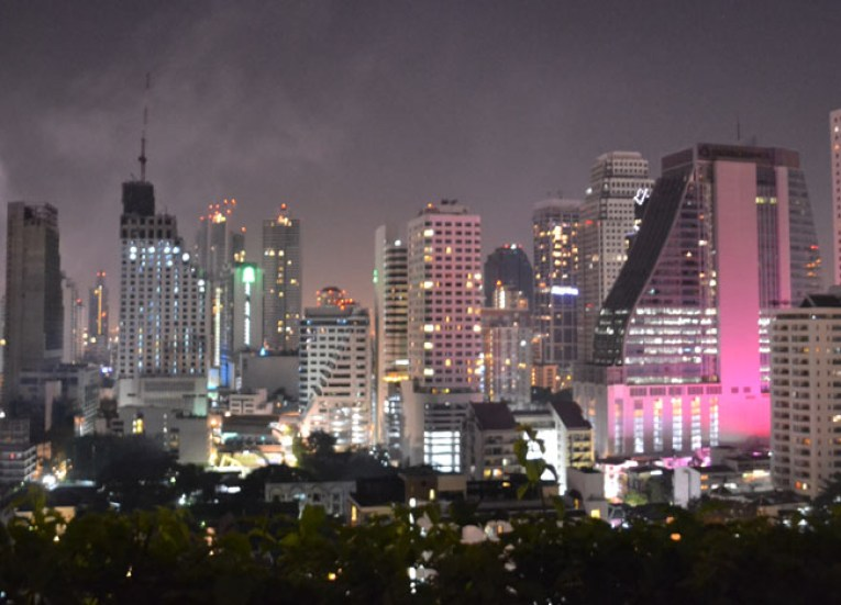 Cost of living in bangkok city centre sukhumvit area for Independent hotels near me