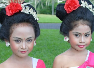 Traditional Balinese Girls, Wedding at Alila Ubud, Married in Bali
