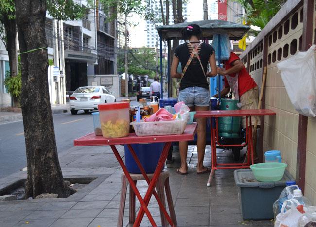 Ya Dong Stand, Ya Dong Street Liquor, Thai Alcohol, Bangkok, Thailand