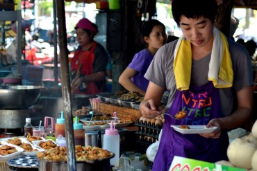 Fried Foods, Eating at JJ Market Bangkok, Chatuchak Weekend Shopping