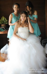 Bridesmaids Styling Brides Hair, Wedding in Bali Ubud, Travel Bloggers