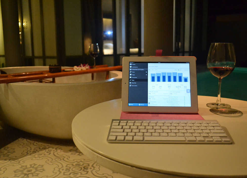 Bluetooth Keyboard, Travel Blogging with Ipad, Tablets, Southeast Asia