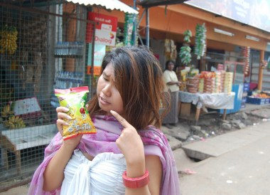 Bus Snack Stop, South Sri Lanka Tour, Independent Travel Asia