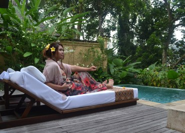 Pool Sun Loungers , Komaneka Tanggayuda Ubud Review Pool Villas