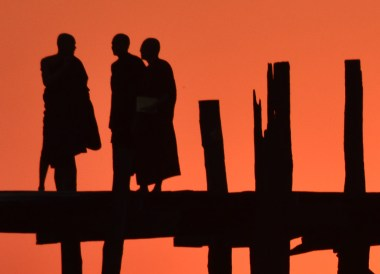 Silhouettes on U Bein Bridge at Sunset, Best mandalay day tour by taxi