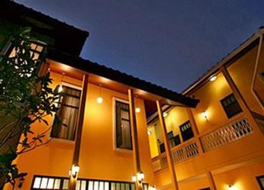 Top 10 Best Budget Hotels in Bangkok, Baan Pra Nond B&B