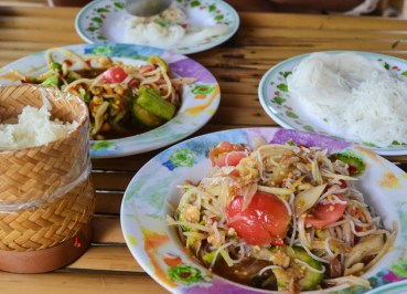 Som Tam Table, Best Som Tam Papaya Salad Thai Food