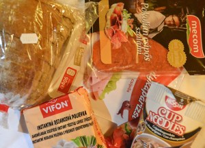 Backpacker snacks, Budapest Underground Metro Tourist Scam