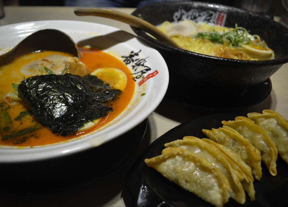 Ramen Restaurants, Best Tourist Area in Taipei Ximending Ximen Metro Station