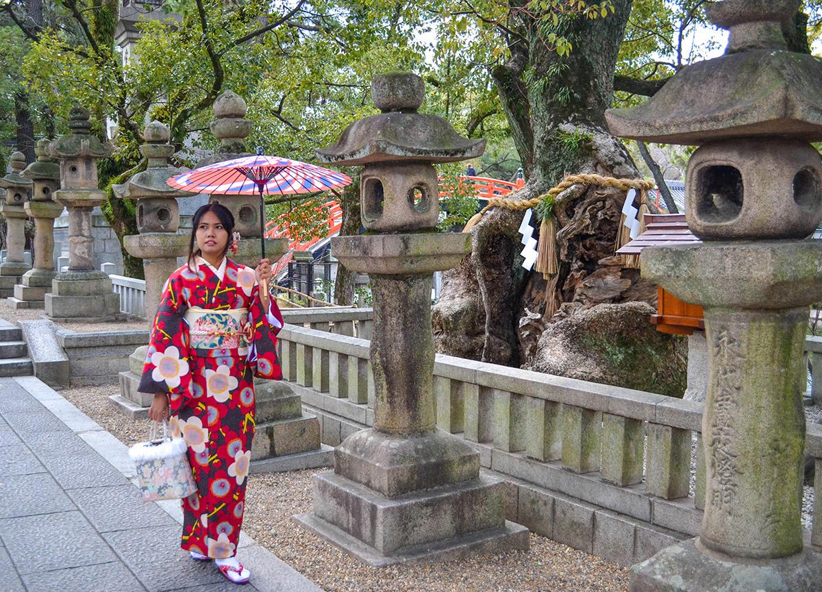 Fanfan Wilson, Kimono Rental in Osaka Japan (Wargo)