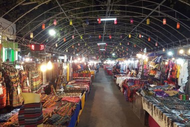 Sheltered Night Market, Living in Chiang Mai Northern Thailand