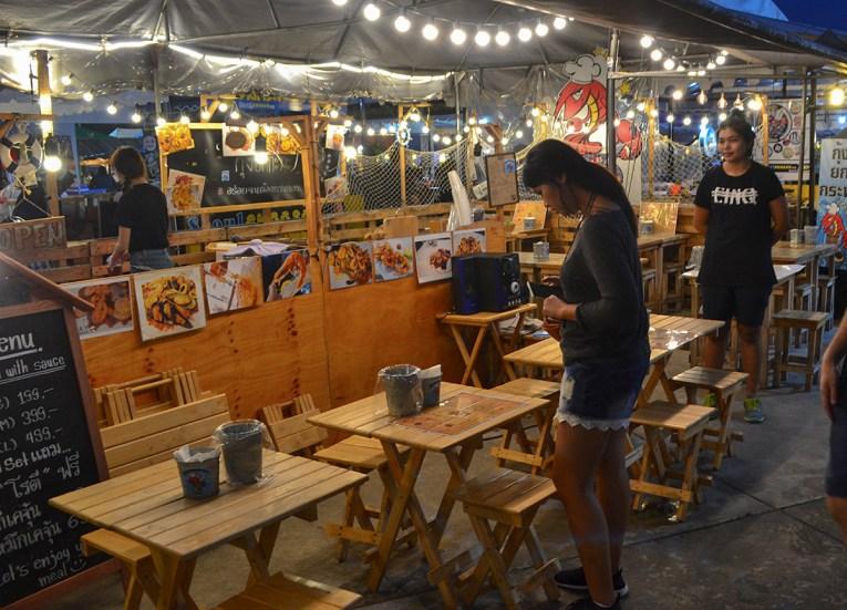 Koong Tung Restaurant, Huamum Night Market in Bangkok Thailand
