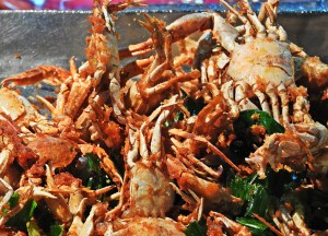 Deep Fried Crabs, Thai Street Food Backpackers Favourite Snacks in Thailand