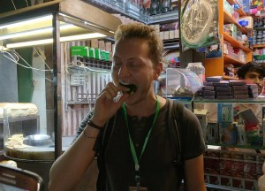 Eating Betel in Pakistan, Best Asian Street Food Eating Cheap in Asia