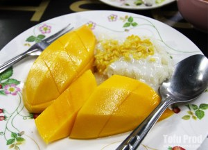Mango with sticky rice, Best Asian Street Food Eating Cheap in Asia