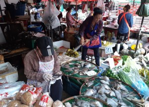 khlong-toey-market things to do in Bangkok Thailand
