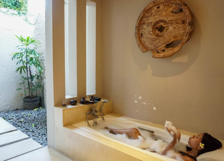 Guestroom Bathroom and Bath Tub Private Pool Villas at Kayumanis Sanur Luxury Sanur Villas with Private Pool