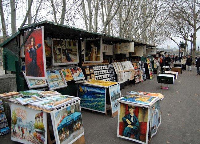 walk-along-river-seine in paris france