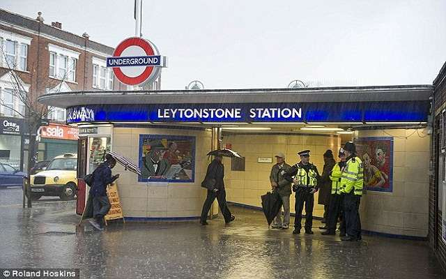 LLL - Live and Let Live - Muslim extremist lunged at passengers with a knife as they bravely confronted him during rampage through a busy Tube station
