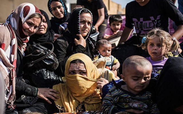 LLL-Live Let Live-300.000 people used as human shields by ISIS in Raqqa