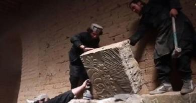 LLL-Live Let Live-ISIS terrorists sold Iraqi antiquities on blackmarket to finance activities