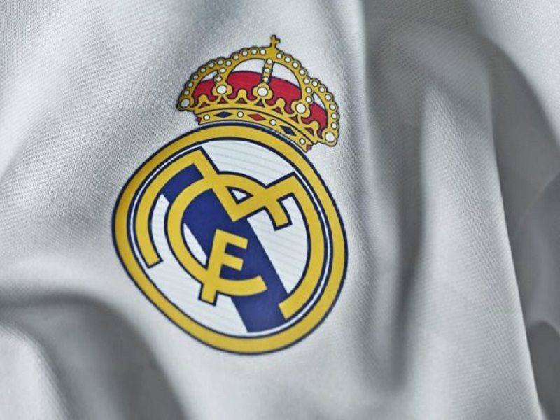 LLL-Live Let Live-ISIS terrorist uses scissors to remove Real Madrid badge from youth's shirt 1