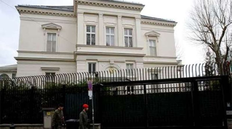 LLL - Live Let Live - Soldier killed knife attacker in front of the Iranian Embassy in Vienna
