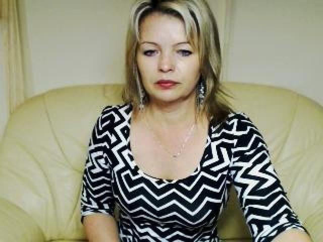 Valeriekiss Live Medium Tits Shaved Pussy Webcam Mature Blonde Pussy