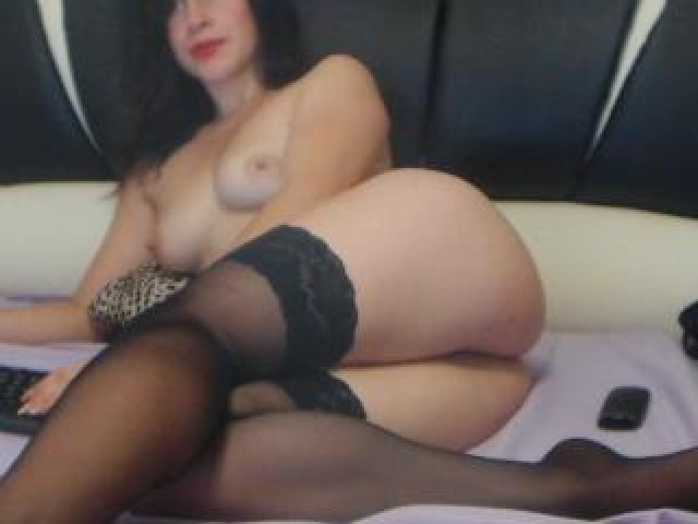 Choco Ate Live Brown Eyes Webcam Female Pussy Middle Eastern Babe
