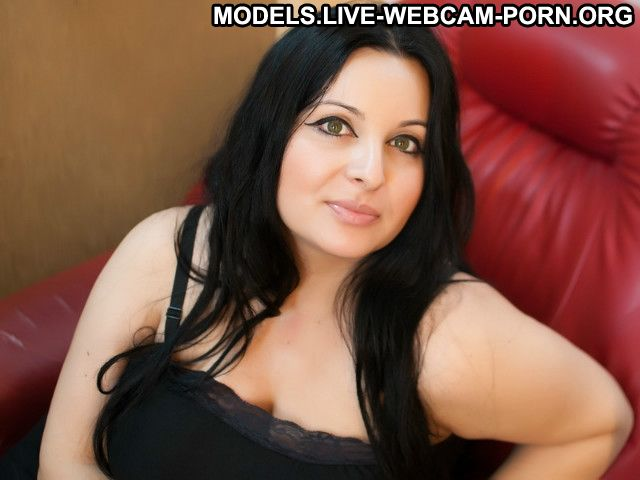 Sarahdollx Turkmen Green Eyes Arab Posing Hot Homemade Whore