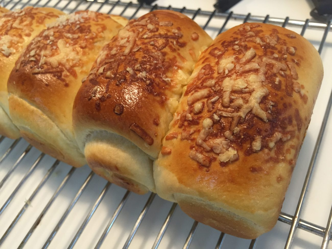 Soft Tangzhong Wholemeal Bread with Cheese